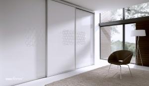 moderná skrina s posuvnými dverami